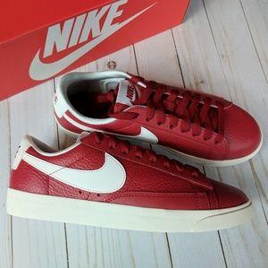 Nike | Blazer low premium NWT